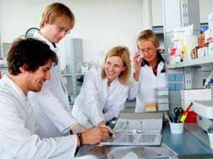 Uni-Neurogenetiker-klein